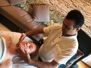 professional massage trainer slider image1